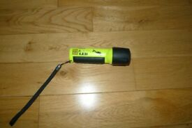 LED diving hand torch