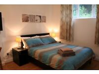 Studio flat with private kitchen and private bathroom.(3 min walk from Finchley Road station)