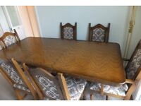 Solid Wood Diningroom Table & Chairs