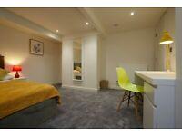 Huge Room for rent in Castleford