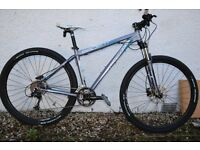 Mountain bike. Diamondback ascent 29er 2013