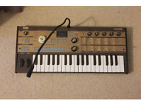 Korg MicroKorg Synthesizer (limited edition gold)