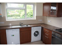 LOVELY LARGE MODERN 2 DOUBLE BEDROOM 1ST FLOOR FLAT WITH BALCONY AND USE OF COMMUNAL GARDENS
