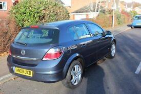 Vauxhall Astra 1.4l petrol 60k, full vauxhall service history, tax and MOT