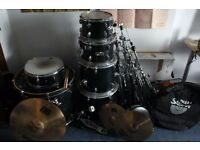 """Mapex VBX Drum kit with all hardware included and Hi-Hats and 22"""" Ride Cymbal"""