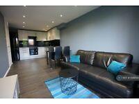 3 bedroom flat in Goulden House, London, SW11 (3 bed) (#1088500)