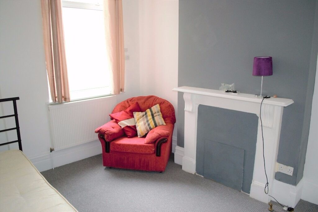 PROPERTY HUNTERS ARE PLEASED TO OFFER MODERN ROOMS IN FOREST GATE £530PCM-£625PCM! ALL BILLS INC.