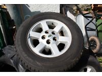 landrover dscovery td5 wheels and tyres set of 5 8ml of tread