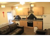 4 Double bedroom house to rent, Almondbury bank, Huddersfield, Bill included, from £45 ppw
