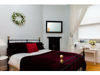 STYLISH CITY CENTRE 1 BEDROOM SELF CONTAINED APARTMENT WALK TO ALL FESTIVITIES (£80 per Night for 2)