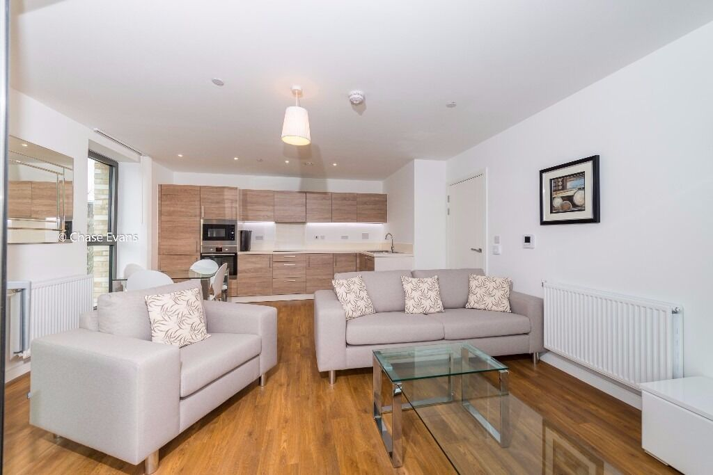- Large 2bedroom 2bathroom luxury property is NOW available in Kingfisher heights E16!