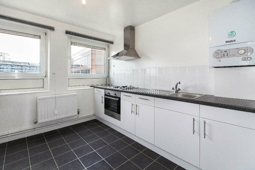 *** Beautifully refurbished 2 bedroom flat to rent Stangate House close to Waterloo station***