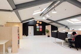 Fabulous deskspace(s) in Notting Hill loft office
