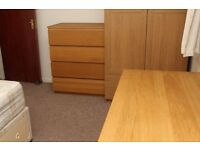 2 Double rooms for One person only each room - Sky & Internet Cleaner Twice Pm - INCLUDES BILLS