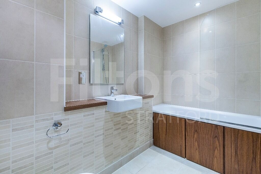 *** 1 Bed Apartment Available to Let in Stratford *** Available ASAP - Gym + Concierge Included