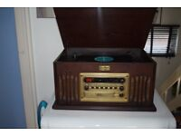WOODEN 3 SPEED RECORD PLAYER/CD/RADIO/CASSETTE CAN BE SEEN WORKING