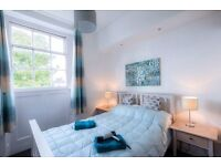 Short stay Accommodation * Central Cheltenham * Sleeps 2 * Parking * Free Wifi * Linen & Towels