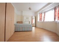 ***WELL LOCATED THREE DOUBLE BEDROOM MAISONETTE*** ***PRIVATE GARDEN*** ***FAB LOCATION***