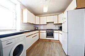 Spacious 3 bedroom flat in Fulham Broadway