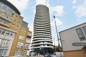 3 bedroom flat in Lombard Wharf, London, SW11 (3 bed) (#1160748)
