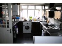 CASSLAND ROAD, E9 - **INCLUSIVE OF ALL BILLS AND INTERNET FOR £450pcm** SPACIOUS DOUBLE ROOM