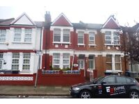 Stunning & spacious 2 bedroom maisonette in Cricklewood just moments away from Willesden Green
