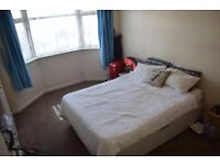 Double room in Tooting Bec. Available from 01/03/2017