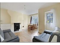 3 bedroom flat in Campbell House, London, W12 (3 bed) (#956576)