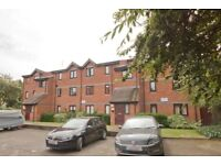 Oppida Estates is pleased to offer for rent this newly refurbished 2 bedroom apartment in Bermondsey