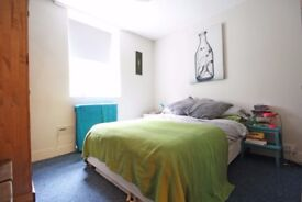 Large double room in garden flat