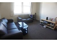 Double bedroom in a spacious Flat at Granton