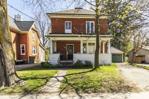 PRIVATE 6 BEDROOM STUDENT HOUSE @ 106 ALBERT ST - Near Laurier!