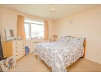 GOOD SIZE 3 BEDROOM FLAT IN NEWHAM PART DSS WITH GUARANTOR ACCEPTED