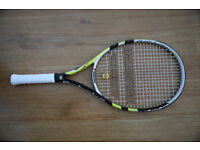 Babolat Pure 25 Child's Tennis Racket (25 inch, for kids 8-10 yr; 1.25-1.45m; 4ft 3in-4ft 9in)