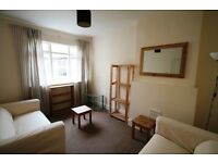 ***REDUCED*** Large and Warm Double Bedroom for couples in a Well Presented 4 bedrooms flat