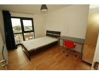 FANTASTIC MODERN TWO BED TWO BATH FLAT TO RENT