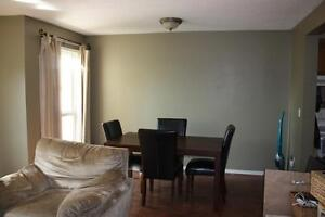 BEAUTIFUL END UNIT TOWN HOUSE Cambridge Kitchener Area image 6