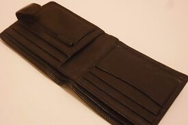 NEXT BLACK LEATHER EXECUTIVE MENS WALLET in EXCELLENT CONDITION !!