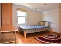 3 Large Double bedrooms, 2 bathrooms (en-suite to master) Clapham, SW11