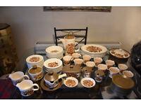 Royal Worcester Palissy 'Kismet' Tableware Set