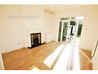 2 bedroom flat in Clovelly Road, Ealing, W5