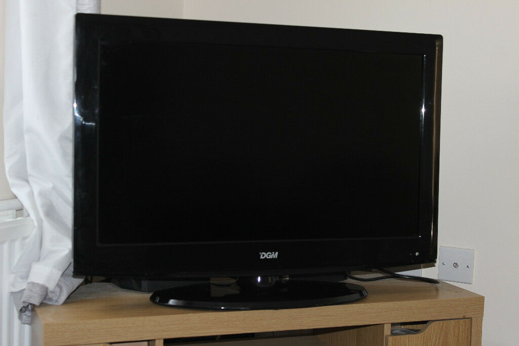 """Used DGM 32inch hd flat screen TV ltv3289w with (brand new remotein South Molton, Devon - Used DGM 32inch hd flat screen TV ltv3289w (With brand new remote) Overview Product Description DGM Technology at an affordable price! The DGM LTV 3289W makes the perfect introduction to 32 inch, High Definition TV. The DGM 32"""" HD LCD TV has all the..."""