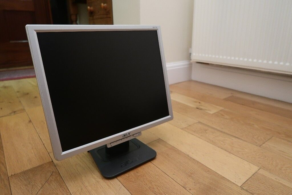 Acer 17 inch LCD Monitor in Black/Silver VGA