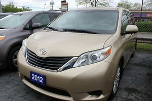 2012 Toyota Sienna LE AWD POWER DOORS