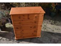 Pine chst of drawers ideal for upcycling painting.