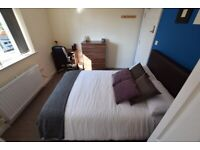 LOVELY ENSUITE TO RENT - NEAR TRAIN STATION - B23 - Room 5