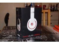 ✭✭✭ SEALED - Original Beats Studio 2 White Wireless ✭✭✭