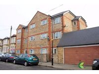 One bedroom with garden- DSS WELCOME!!