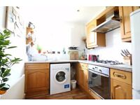 WALTHAMSTOW VILLAGE E17 FANTASTIC TWO BED FIRST FLOOR GARDEN FLAT IN THE HEART OF THE VILLAGE £323PW