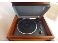 Technics Vintage Hi-Fi includes Turntable SL-B210, Amplifier, CD Player, Tuner